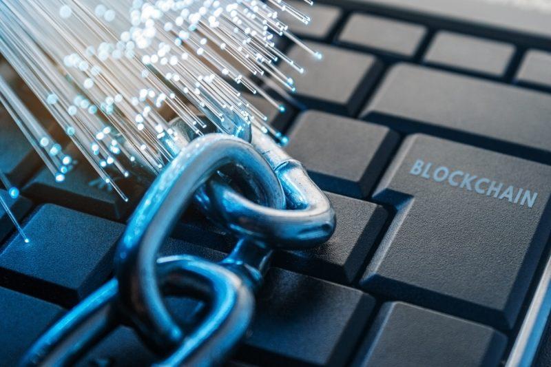 今後の活用が期待されるブロックチェーンとは?その技術の仕組みを解説
