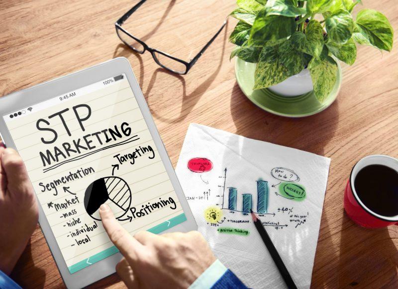 STPマーケティングとは?マーケター必須の基礎知識と分析の手法を解説!
